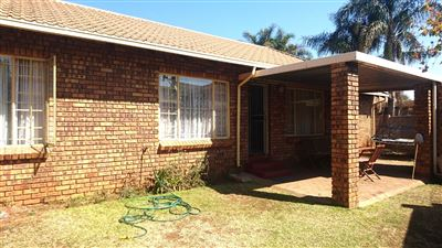 Centurion, Rooihuiskraal North Property  | Houses For Sale Rooihuiskraal North, Rooihuiskraal North, Townhouse 3 bedrooms property for sale Price:1,110,000