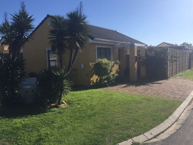 2 Bed Home in Aristea Village, Kraaifontein - Urgent!