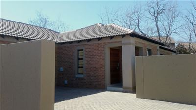 Van Der Hoff Park property for sale. Ref No: 13378573. Picture no 1