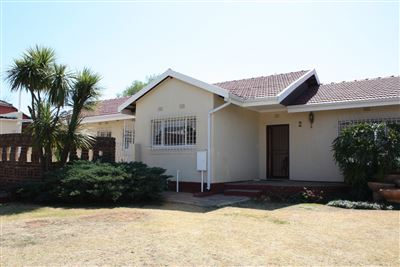 Silverfields Park property for sale. Ref No: 13379251. Picture no 1