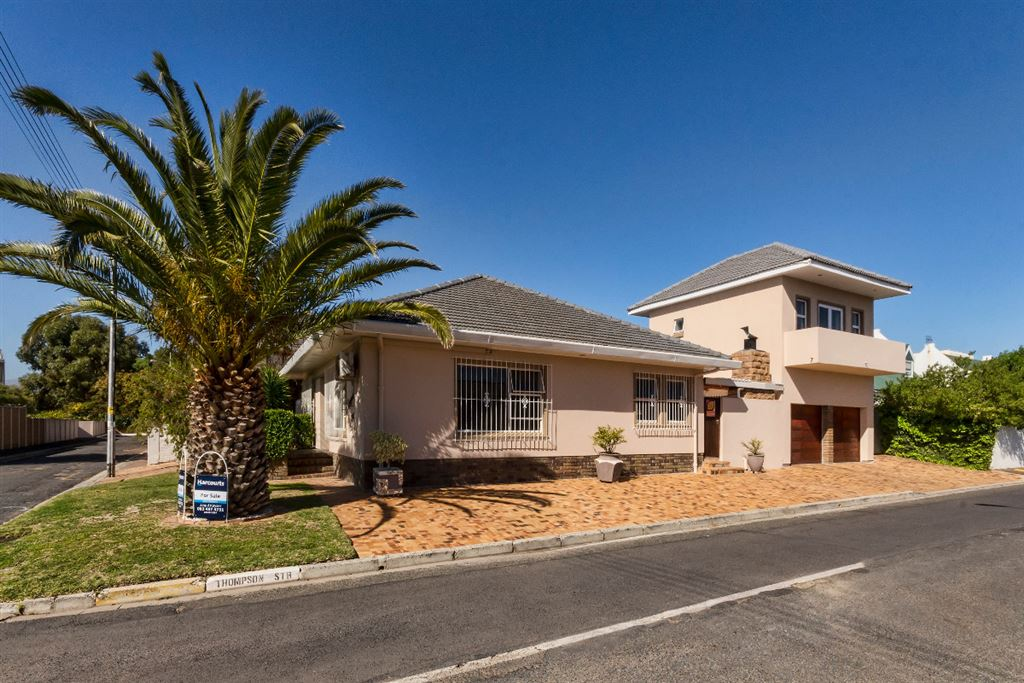 Strand - A comfortable family home close to the beach