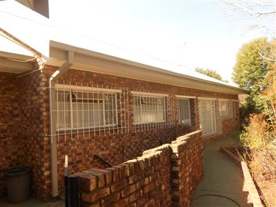 Parys property for sale. Ref No: 13380379. Picture no 1