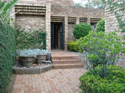 Property and Houses for sale in Moreletapark, House, 4 Bedrooms - ZAR 2,850,000