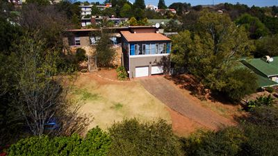 Constantia Kloof property for sale. Ref No: 13373684. Picture no 17