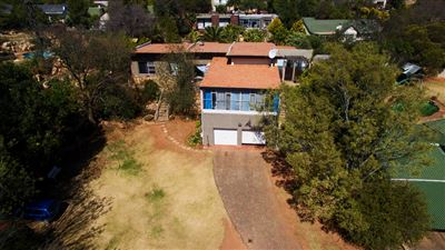 Constantia Kloof property for sale. Ref No: 13373684. Picture no 18