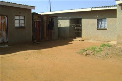 Johannesburg, Orange Farm Property  | Houses For Sale Orange Farm, Orange Farm, House 2 bedrooms property for sale Price:185,000