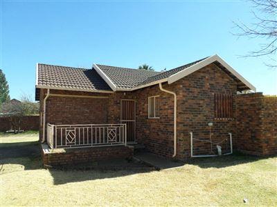 Parys property for sale. Ref No: 13382123. Picture no 1