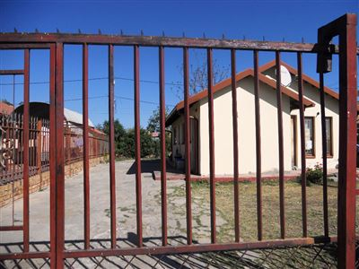 Boitekong And Ext property for sale. Ref No: 13382746. Picture no 7