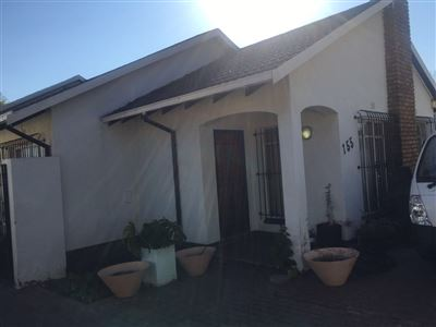 Johannesburg, Turffontein Property    Houses For Sale Turffontein, Turffontein, House 3 bedrooms property for sale Price:695,000