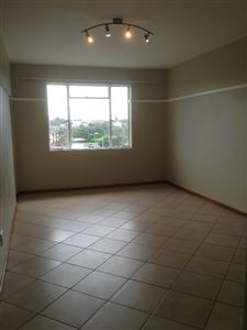 South End property to rent. Ref No: 13398422. Picture no 7