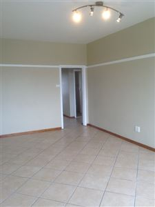 South End property to rent. Ref No: 13398422. Picture no 8