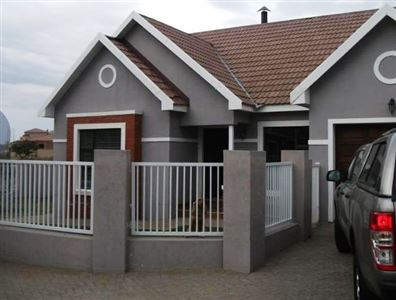 Bloemfontein, Lilyvale Property  | Houses For Sale Lilyvale, Lilyvale, Townhouse 3 bedrooms property for sale Price:1,177,000
