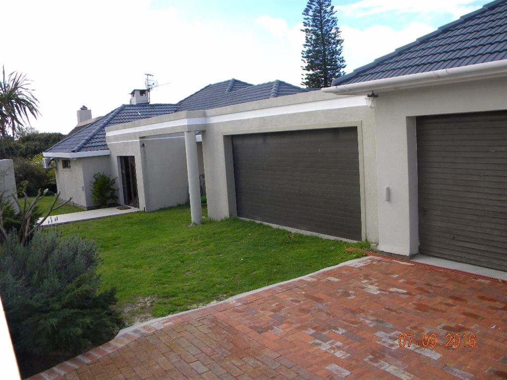 Spacious house for sale in Valmary Park, Durbanville