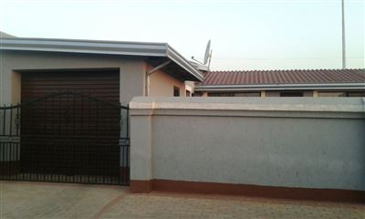 Boksburg, Vosloorus & Ext Property  | Houses For Sale Vosloorus & Ext, Vosloorus & Ext, House 3 bedrooms property for sale Price:595,000