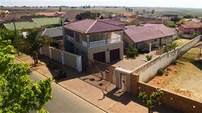 Randfontein, Finsbury Property  | Houses For Sale Finsbury, Finsbury, House 5 bedrooms property for sale Price:1,090,000