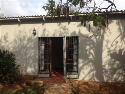 Grahamstown property to rent. Ref No: 13384736. Picture no 2