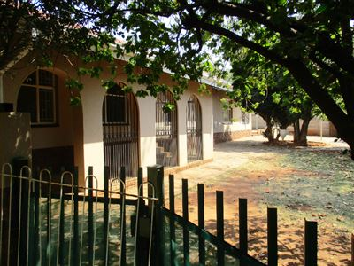 Safari Gardens & Ext property for sale. Ref No: 13385860. Picture no 1