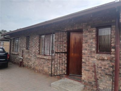 Bloemside property for sale. Ref No: 13386693. Picture no 1