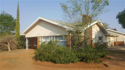Bloemfontein, Universitas Property  | Houses For Sale Universitas, Universitas, House 11 bedrooms property for sale Price:2,499,000