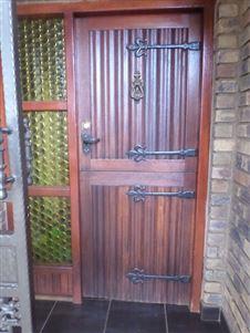 Sinoville property for sale. Ref No: 13396644. Picture no 14