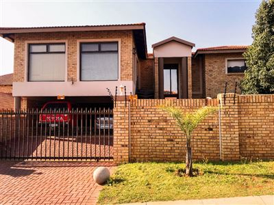 Langenhovenpark property for sale. Ref No: 13387335. Picture no 1