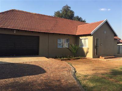 Lambton Gardens property for sale. Ref No: 13375369. Picture no 1
