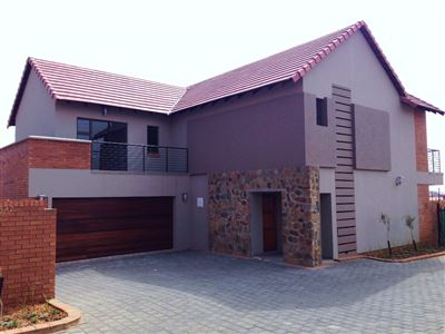 Bloemfontein, Wild Olive Estate Property  | Houses For Sale Wild Olive Estate, Wild Olive Estate, Townhouse 4 bedrooms property for sale Price:2,650,000