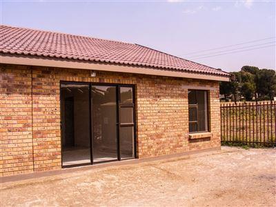 Vista Park property for sale. Ref No: 13387319. Picture no 3