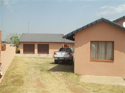 Property and Houses for sale in Elandshaven, House, 3 Bedrooms - ZAR 830,000
