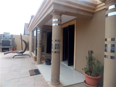 Dobsonville property for sale. Ref No: 13387542. Picture no 29