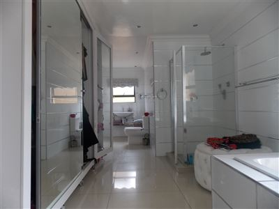 Dobsonville property for sale. Ref No: 13387542. Picture no 12