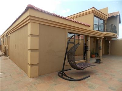 Dobsonville property for sale. Ref No: 13387542. Picture no 33