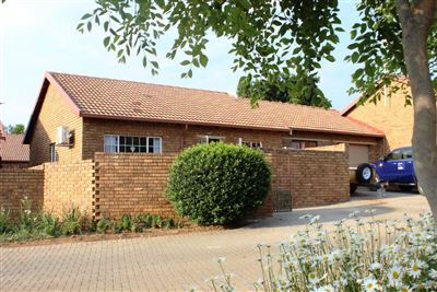 Centurion, Amberfield Glen Property  | Houses For Sale Amberfield Glen, Amberfield Glen, House 3 bedrooms property for sale Price:1,030,000