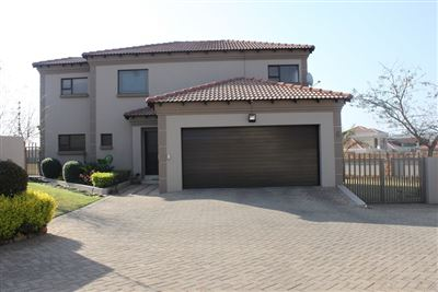 House for sale in Model Park & Ext
