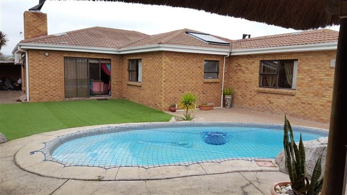Face brick 4 Bedrooms house for sale in Morgester Heights