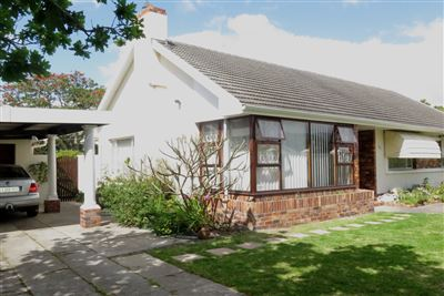 Cape Town, Bergvliet Property  | Houses For Sale Bergvliet, Bergvliet, House 3 bedrooms property for sale Price:3,250,000