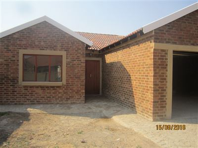 Mooivallei Park property for sale. Ref No: 13388315. Picture no 1