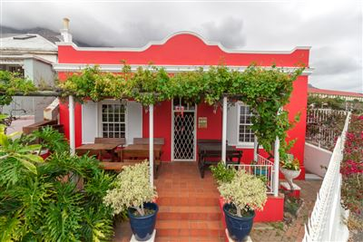 House for sale in Cape Town City Centre