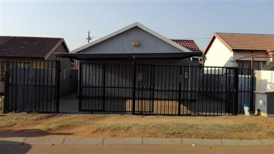 Krugersdorp, Kagiso & Ext Property  | Houses For Sale Kagiso & Ext, Kagiso & Ext, House 2 bedrooms property for sale Price:428,000
