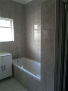 Fish Hoek property to rent. Ref No: 13388661. Picture no 10