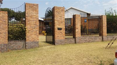 Alberton, South Crest Property  | Houses For Sale South Crest, South Crest, House 3 bedrooms property for sale Price:1,500,000