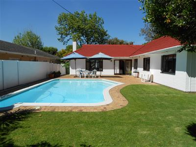 Property and Houses for sale in Tokai, House, 4 Bedrooms - ZAR 3,850,000