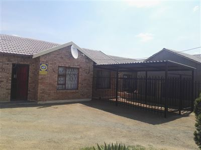 Bloemfontein, Grasslands Property  | Houses For Sale Grasslands, Grasslands, House 3 bedrooms property for sale Price:660,000