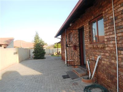 Geelhoutpark And Ext property for sale. Ref No: 13390103. Picture no 29