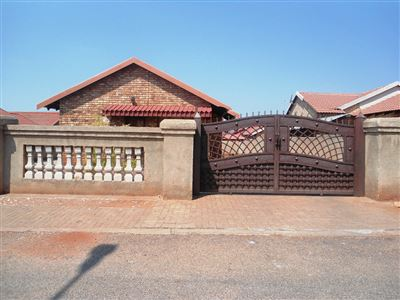 Geelhoutpark And Ext property for sale. Ref No: 13390103. Picture no 31