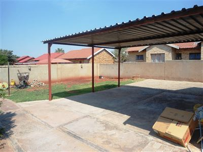 Geelhoutpark And Ext property for sale. Ref No: 13390103. Picture no 38