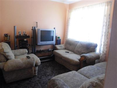 Geelhoutpark And Ext property for sale. Ref No: 13390103. Picture no 8
