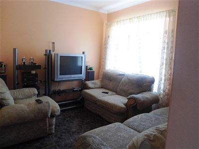 Geelhoutpark And Ext property for sale. Ref No: 13390103. Picture no 9