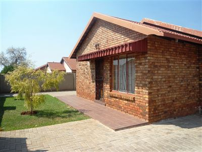 Geelhoutpark And Ext property for sale. Ref No: 13390103. Picture no 25