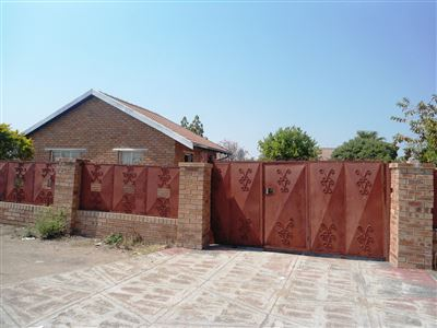 Geelhoutpark And Ext property for sale. Ref No: 13390103. Picture no 40